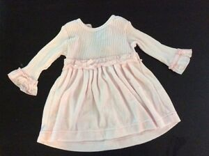 6 month baby girl dress. (Pink) like new!