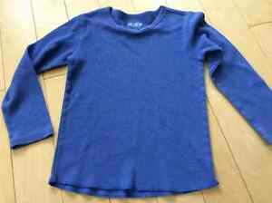 Boys waffle knit shirt worn once size 4 London Ontario image 1