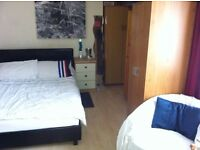 Bright Good sIZe Double Room Accommodation Available in the Flat Share