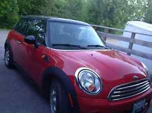 2012 MINI Mini Cooper Black Coupe (2 door)