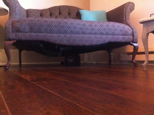 Moving soon: Loveseat and comfy victorien style chair