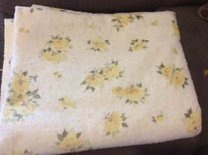 Blankets/spreads and flannel sheet to fit double/ twin size bed