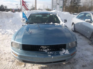 2006 Ford Mustang Coupe (2 door)