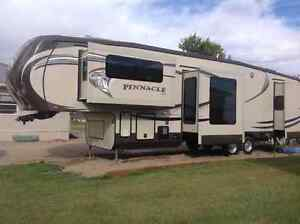 Jayco pinnacle 38' vacation travel trailer 5th wheel Moose Jaw Regina Area image 1