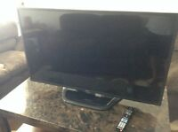 Perfect condition 47 inch lg 3d smart tv