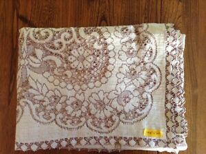 4 Matching Lace Tablecloths London Ontario image 5