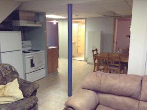 Beau grand logement appartement 3 1/2 chauffé éclairé climatisé