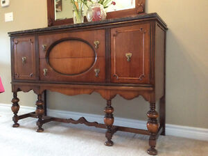 ANTIQUE CONSOLE SIDEBOARD - CABINET, A COLONIAL STYLE Kitchener / Waterloo Kitchener Area image 5