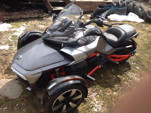 Can Am Spyder F3-S  SE-6  Pure Magnesium metallic with Can-Am Re