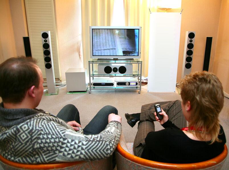 Welche technischen Daten sind wichtig beim Kauf von Lautsprechern für Surround Systeme?