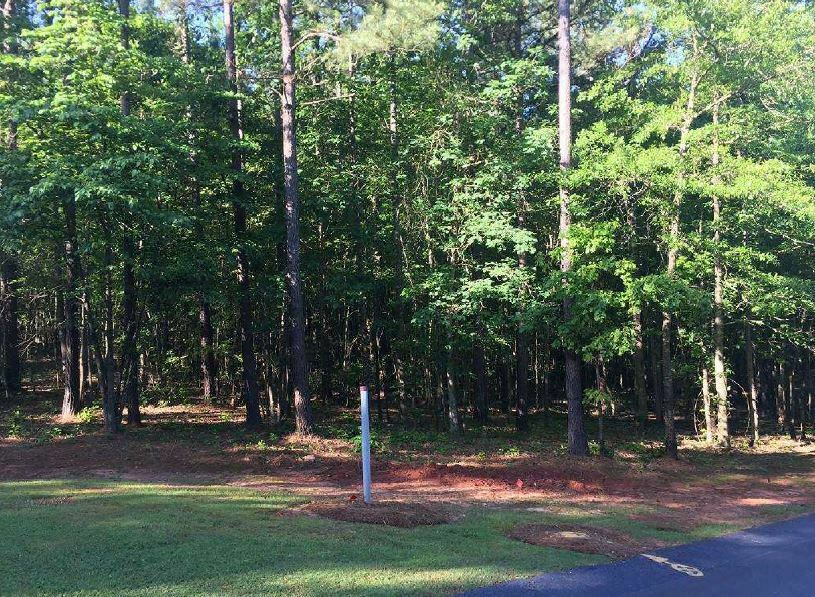 Boating Golfing & Horse Riding at 4 acre wooded lot in Gated Community in 96 SC