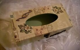 HANDMADE SHABBY CHIC TISSUE BOX/HOLDER WOODEN, HAND DECORATED