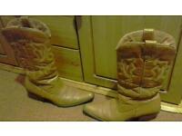 Cowboy boots size 5