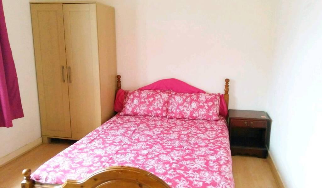 Beautiful double bedroom in a 3 bedroom HMO licenced flat near Aberdeen university