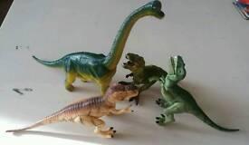 4 sounding roaring dinosaurs