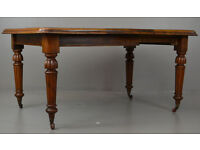 Antique Victorian mahogany extending dining table.