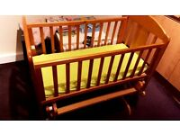 Crib mamas and papas