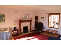 Lovely 3 Bedroom upstairs property split over two levels. Open plan living with open fire place