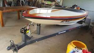 Stephens TR2 Ski Boat Baranduda Wodonga Area Preview