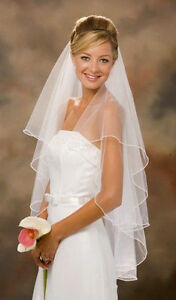 Lovely Fingertip Length Tulle 2T Wedding Veil White, Ivory - New