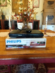 PHILLIPS CD PLAYER..EXCELLENT CONDITION $10