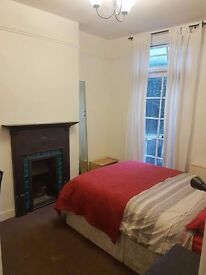 BRIGHT, FULLY FURNISHED DOUBLE AND SINGLE ROOM-- 25 MINS FROM LONDON BRIDGE