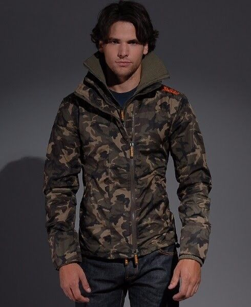 Men large Superdry Camo windcheater jacket.Airdrie £40 07803373215