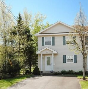 Beautiful condo in Dieppe with many upgrades!!! A must see!