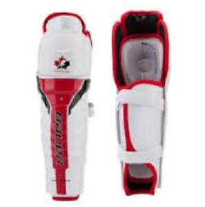 "Bauer - Junior Team Canada Shin Guards - Size 11"""