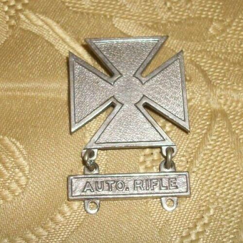 Vintage U. S. Army Marksmanship Qualification Badge Auto Rifle Clasp