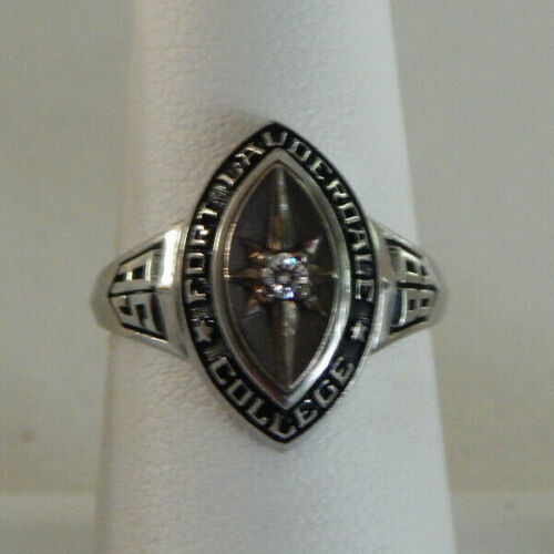 Vintage 1989 Fort Lauderdale College Class Ring Size 6.5