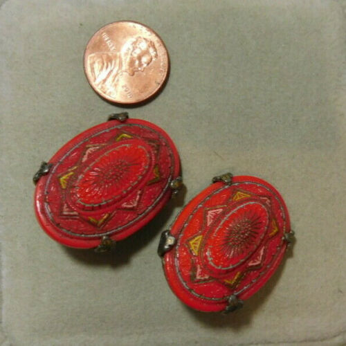 Vtg Deco Neiger Czech Molded Glass Christmas Red Clip on Button Earrings 8i 41