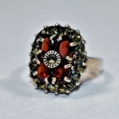 Lovely Vintage Sterling Silver 925 Gemstone Red Garnet Marcasite Band Ring Sz- 6