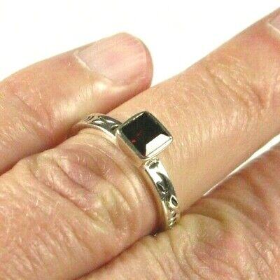 Sterling Princess Cut Genuine Garnet Gemstone Ring Size 7 Silver 925