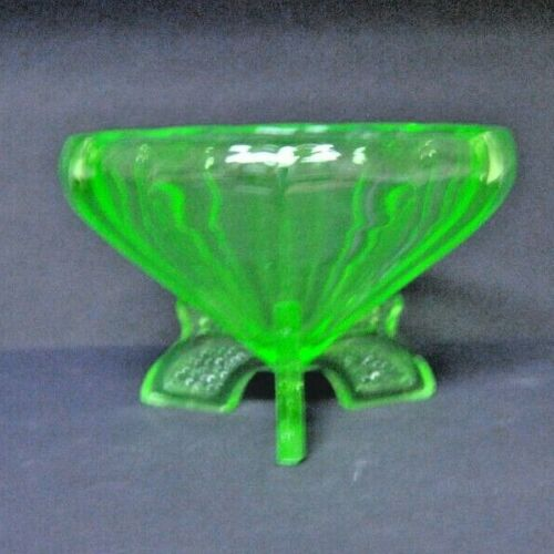 Beautiful Vintage Large, 3 Footed Uranium (Vaseline) Glass Serving Bowl