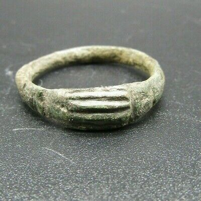 English bronze fede (clasped hands) finger ring, 17th century