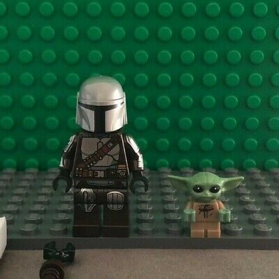 LEGO STAR WARS MANDALORIAN (BESKAR) MINIFIGURE W/ SEALED CAPE + GROGU/THE CHILD