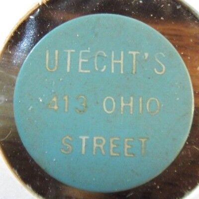 Vintage Utecht's Oshkosh, WI Blue Plastic Trade Token Wisconsin - #1