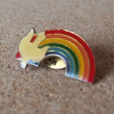 Dove rainbow lapel / hat pin