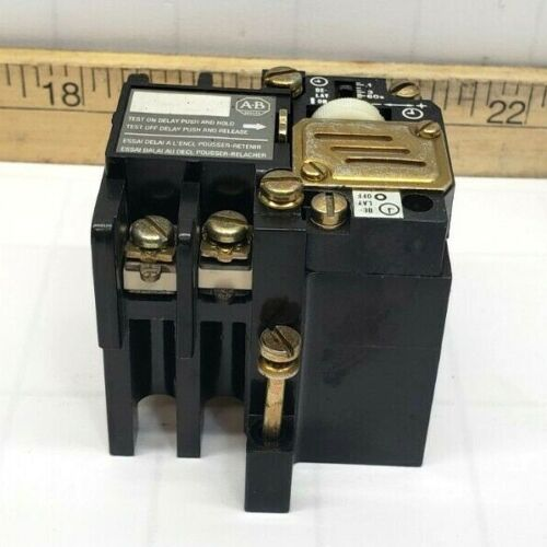NEW ALLEN BRADLEY PNEUMATIC TIME DELAY RELAY .1-60 SECONDS 700-NT
