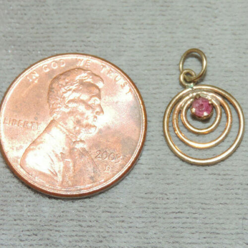 Dainty Vintage 9ct Yellow Gold Circles Ruby Pendant  Ch 12
