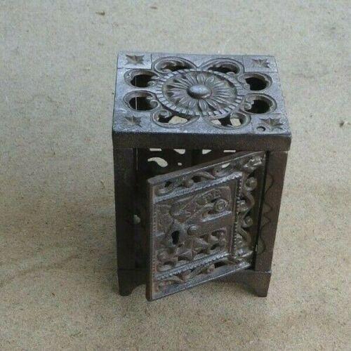 Antique Cast Iron Still Bank Safe Key Lock    JS