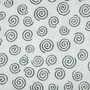 Westrade Quilt back - Xtra Wide White / Black Swirls