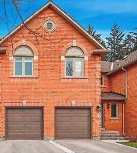 Luxury Townhouse for Rent - Very Close to UTM