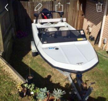 14 ft pride (ski/runabout) boat