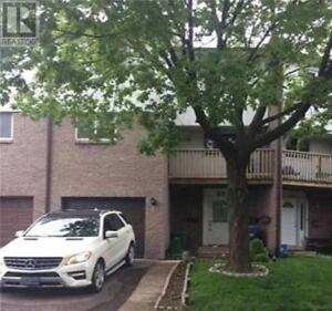 Beautiful Townhouse, 3 Br, 2 Wr, 2035 ASTA DR, Mississauga