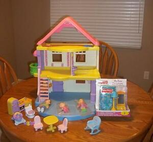 Fisher-Price My First Dollhouse •	With furniture and extras