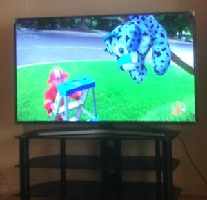 I sell  tv Samsung 4k smart tv