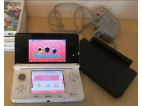 White Nintendo 3DS with 3 games