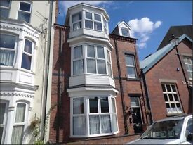2 Large Double Rooms in beautiful house (x1 ensuite)